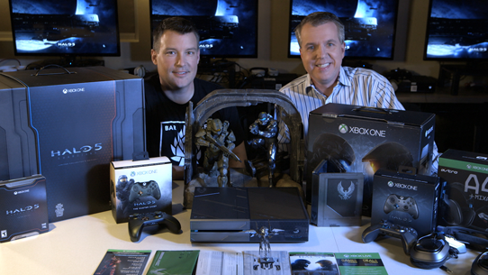 Unboxing Halo 5: Guardians
